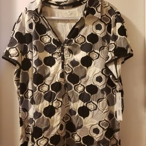 NWT Soft Cotton Top with Collar